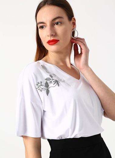 House Of Camellia Tişört Beyaz